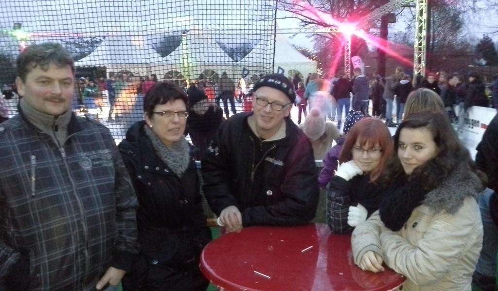 2012-12-22-Eisbahn Krueger Westphal Tholema