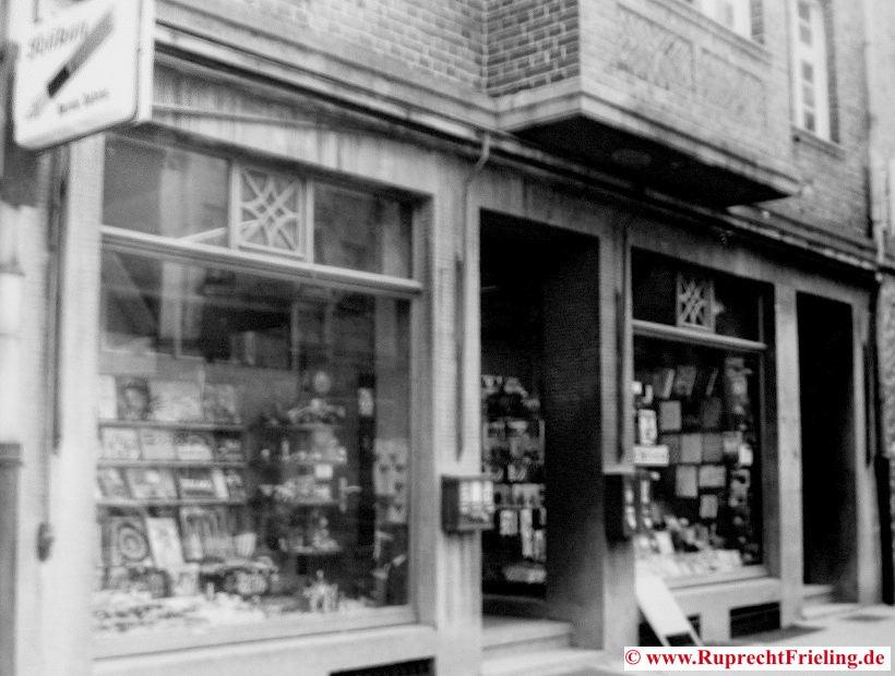Schreibwarenladen Dahms Lange Straße 7 im Original noch mit Kaugummiautomaten