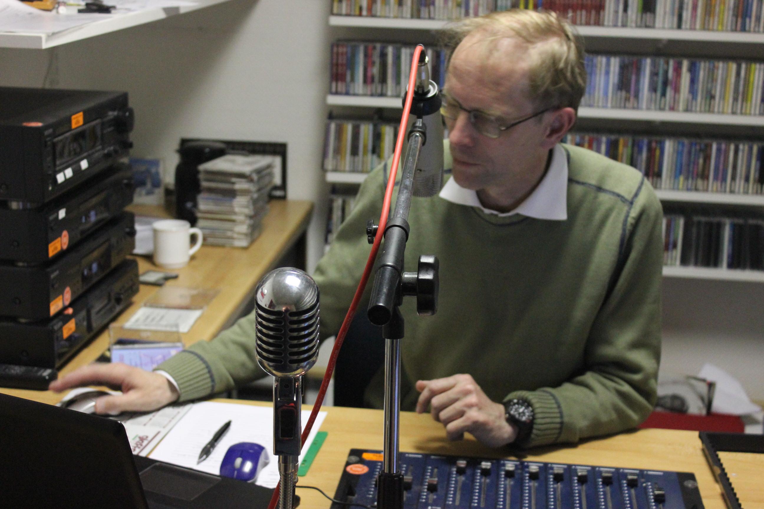 Studioleiter Edgar Wallmeyer bei der Arbeit