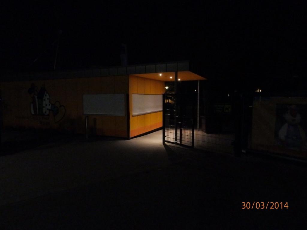 2014-03-30-Parktor nachts
