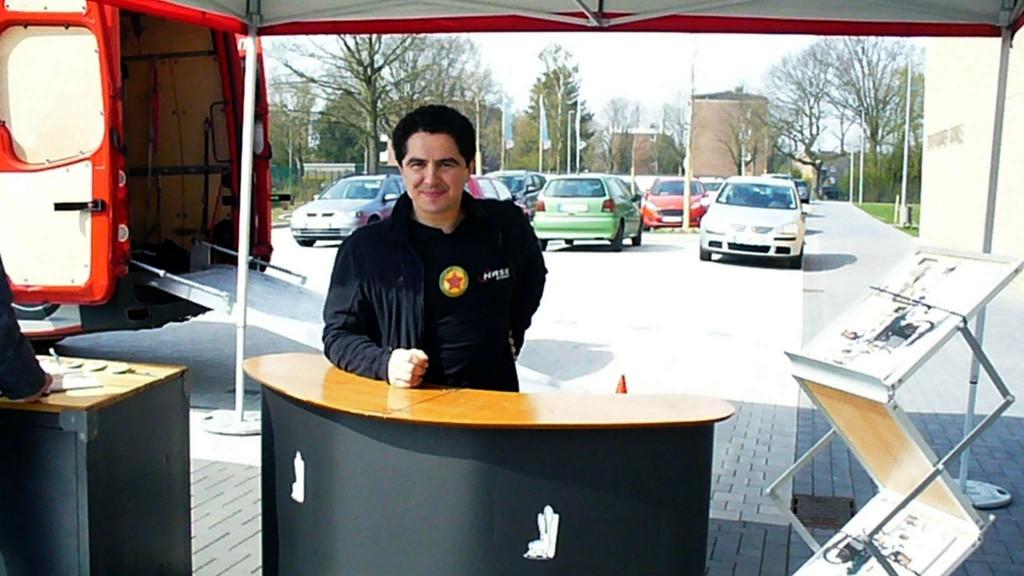 Siggi Schneider ist zuständig für Marketing bei Hasebikes und war unser Interviewpartner vor Ort an der Erich-Kästner-Schule