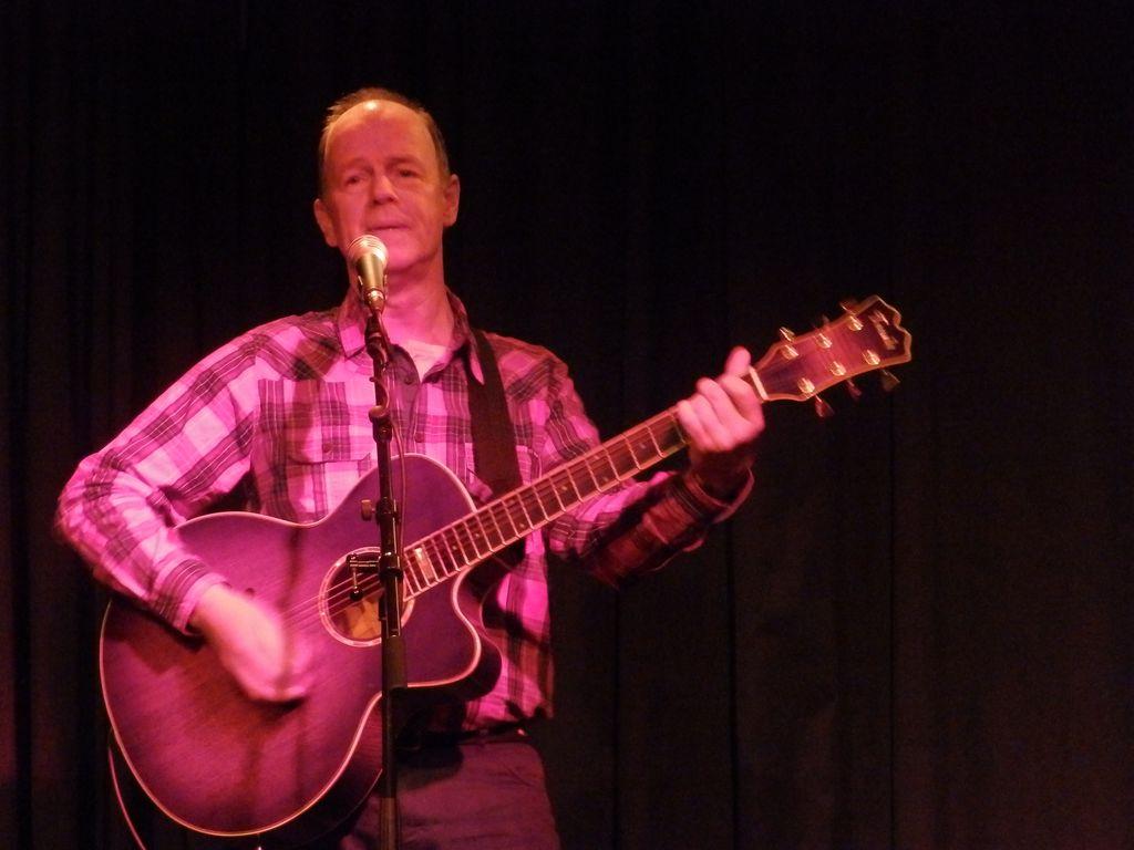 Reinhard machte den offiziellen Abschluss der Session in Oelde mit guten Cover Songs