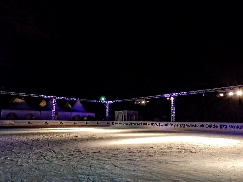 2014-12-19-Eisbahn Start (2)