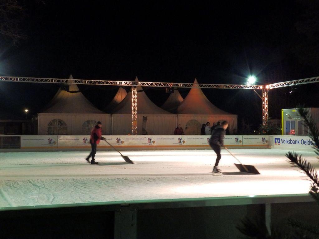 2014-12-19-Eisbahn Start (4)
