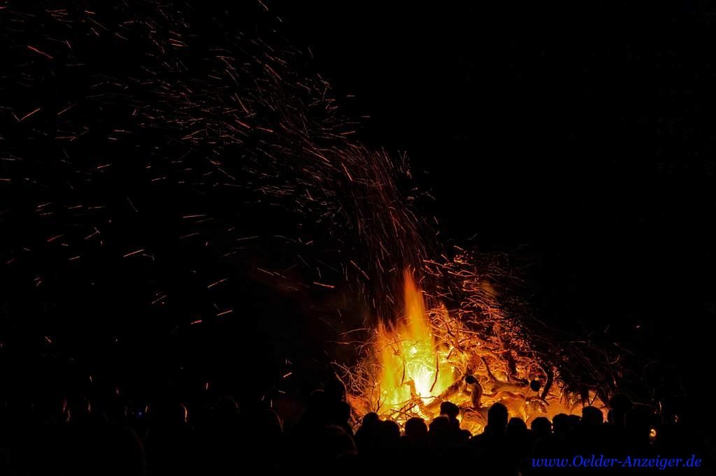 Gemütlich war es am Feuer
