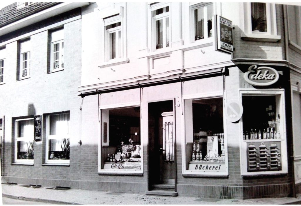 2016-05-15-Cafe Kunze außen